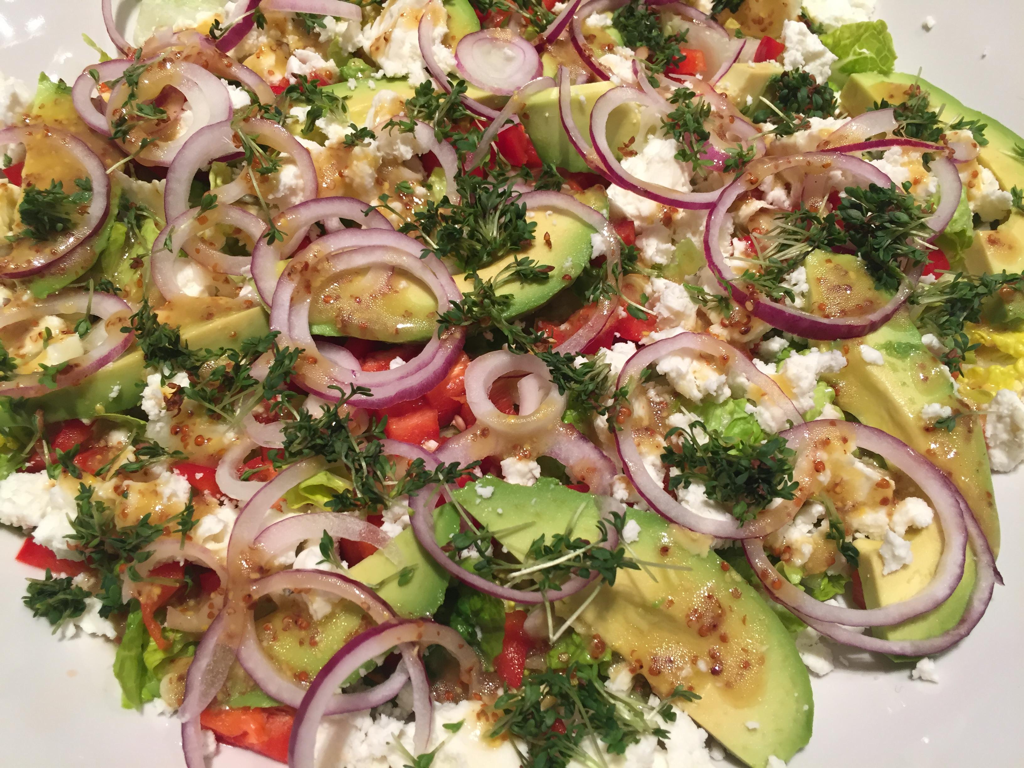 salat til rødt kød